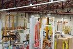 Vue d'intérieur de l'usine Saint Gobain, éclairée par Dialight